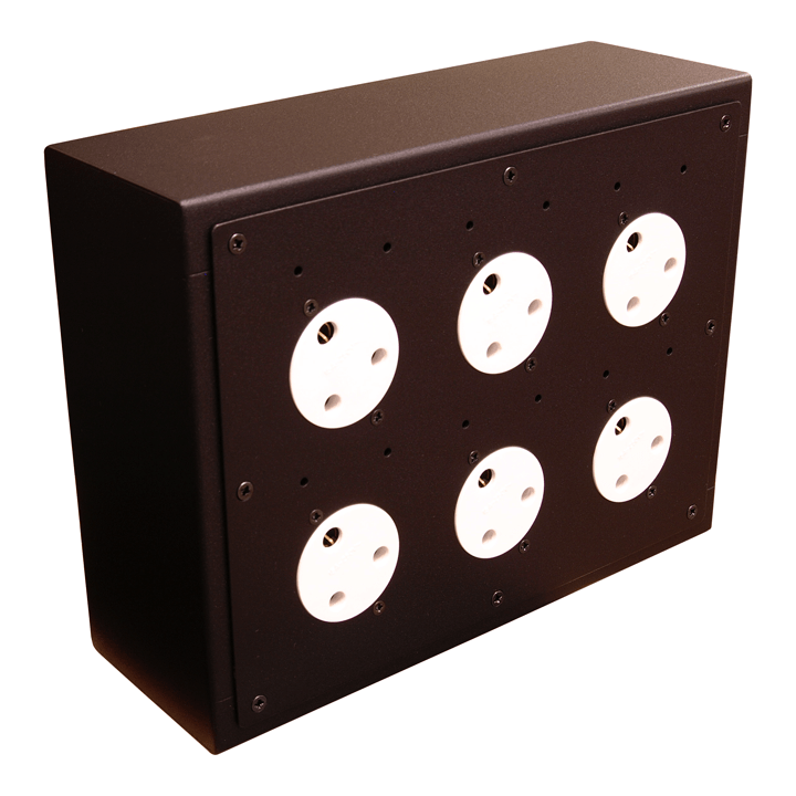 6 Way Horizontal 15 amp Socket Box